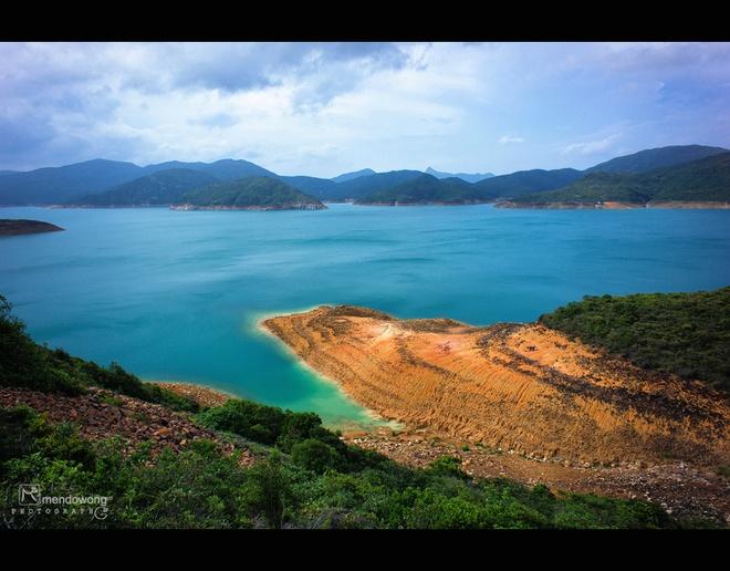 """Sai Kung - 'hau hoa vien' cua Hong Kong hinh anh 4 Nơi đây có khoảng 70 đảo lớn nhỏ khác nhau, có cả núi lửa được hình thành từ 140 triệu năm trước cùng những sinh vật biển phong phú, đa dạng ... là """"lực hấp dẫn"""" với những du khách ưa khám phá, thích mạo hiểm. Ảnh: Sina"""