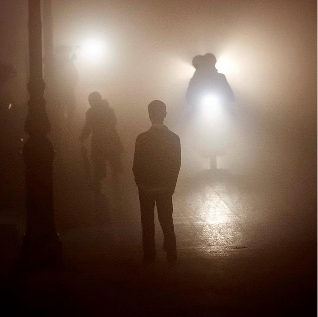 Viet Nam tuyet dep qua ong kinh khach Tay hinh anh 15 Buổi tối mù sương ở miền bắc Việt Nam.