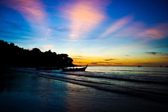 Nhung diem du lich tuyet voi nhat Thai Lan hinh anh 11 Đảo Phuket – viên ngọc của Ấn Độ Dương. Phuket là hòn đảo lớn nhất của Thái Lan, là viên ngọc của Ấn Độ Dương và là đại diện cho hầu hết các khu nghỉ dưỡng biển đảo của Đông Nam Á. Ảnh: Baike