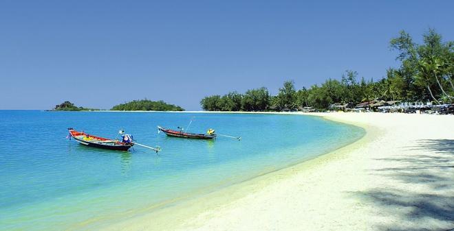 Nhung diem du lich tuyet voi nhat Thai Lan hinh anh 14 Koh Samui – xứ sở của dừa. Koh Samui là hòn đảo lớn thứ ba nằm trong vịnh Thailand thuộc tỉnh Surat Thani của Thái Lan. Đảo có những bờ cát trắng trải dài, nước trong xanh như pha lê và trở nên lấp lánh dưới ánh nắng chói chang của mặt trời và những bãi san hô đủ màu sắc hấp dẫn cả những du khách khó tính nhất. Ảnh: Baike