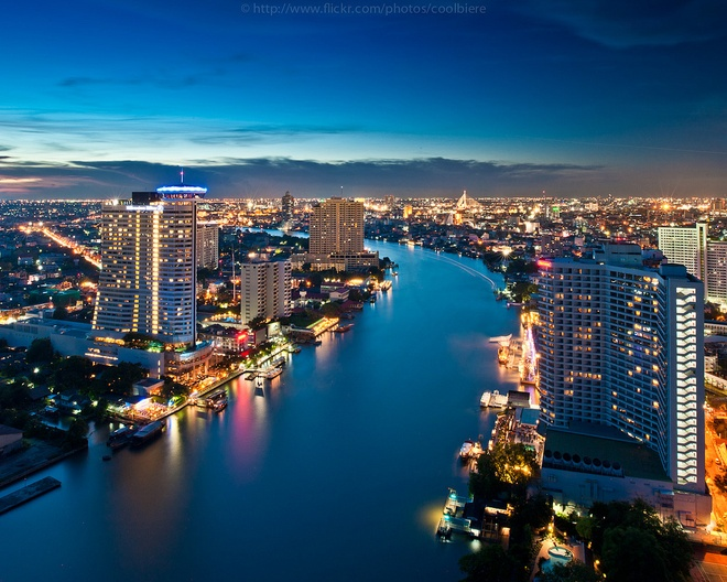 Nhung diem du lich tuyet voi nhat Thai Lan hinh anh 4 Tại đây, có con sông lớn huyền thoại của Thái Lan mang tên Chao Phraya (Sông Mê Nam). Nổi tiếng nhất là khúc sông nằm ngay trung tâm Bangkok là một khúc sông đẹp tuyệt vời hai bên bờ là những ngôi nhà cao tầng và các đền tháp chùa nổi tiếng nhất của thủ đô.Ảnh: flickr