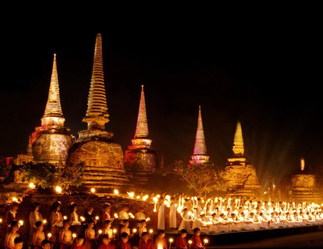 Nhung diem du lich tuyet voi nhat Thai Lan hinh anh 7 Bên cạnh chùa chiền, Chiang Mai còn nổi tiếng với Vườn quốc gia Doi Suthep-Doi Pui, Vườn quốc gia Doi Inthanon, Vườn quốc gia Huai Nam Dang... với nhiều hoa đẹp, thác và suối nước nóng ... Ảnh: zastavki