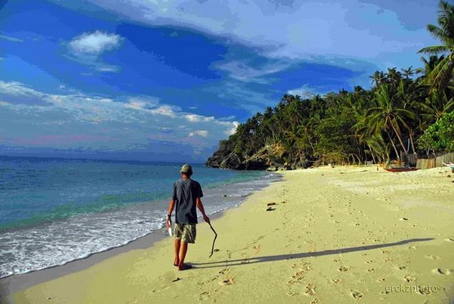 10 bai bien tuyet dep it nguoi biet o Philippines hinh anh 6 6. Bãi Guisi, Guimaras: Guimaras nổi tiếng với món xoài ngọt, còn bãi biển ở đây hoang sơ một cách lý tưởng. Thuyền đi từ Iloilo đến Guimaras chỉ mất 15 phút. Khu vực này có rất nhiều bãi biển đẹp, những hòn đảo hẻo lánh, trong đó Guisi là bãi biển đẹp nhất.