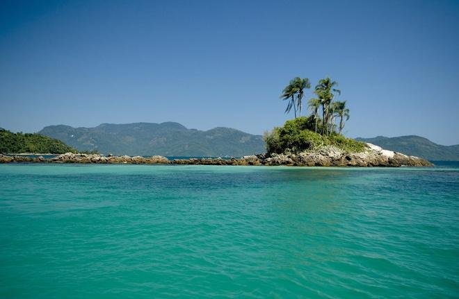 Mui Ne - thien duong khong co Wi-Fi hinh anh 11 11. Vịnh Ilha Grande, Brazil được tô điểm bởi những hòn đảo nhỏ xinh đẹp hoàn toàn không có kết nối internet.