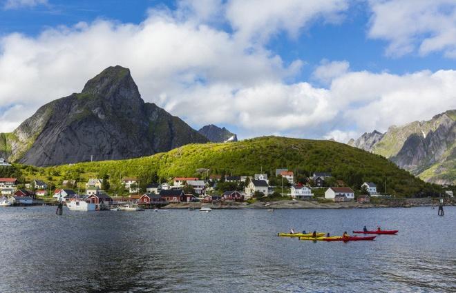 Mui Ne - thien duong khong co Wi-Fi hinh anh 8 8. Ở những ngôi nhà xinh đẹp ven biển Reine, Na Uy này, du khách sẽ hầu như không có cơ hội truy cập internet.