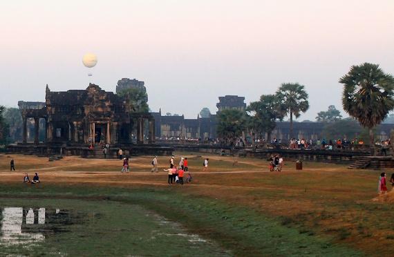Bau troi sao tuyet dieu o Angkor Wat hinh anh 6