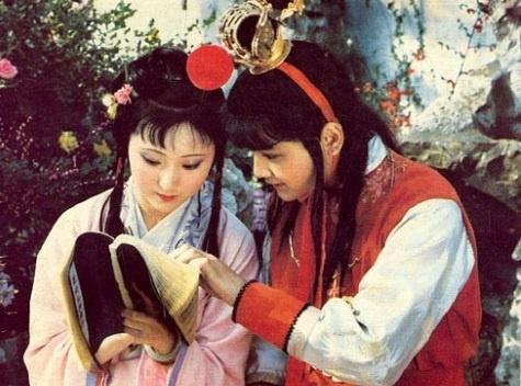 Tham vuon Dai Quan lau hong gac tia trong 'Hong Lau Mong' hinh anh