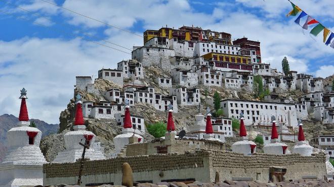 17 di san dep nhat An Do hinh anh 10 Tu viện Thiksey, Ladakh: Được xây dựng vào thế kỷ 15, tu viện có kiến trúc tương tự cung điện Potala ở Lhasa. Phía trước tu viện là các bảo tháp nhằm chống lại ma quỷ.