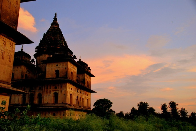 17 di san dep nhat An Do hinh anh 2 Khu tưởng niệm Orchha, Madhya Pradesh: Đây là nơi tưởng nhớ các vị vua Bundela trị vì thị trấn Orchha trong gần 300 năm. Những kiến trúc cổ xưa ít ỏi còn sót lại được xây dựng trong những triều đại này.