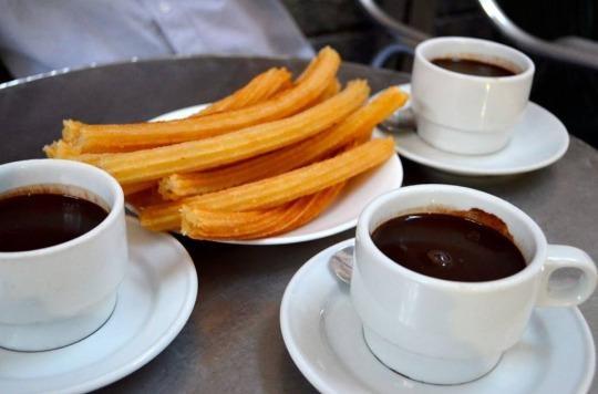 Cha ca La Vong vao top nha hang lau doi noi tieng the gioi hinh anh 4 Chocolateria San Gines, Madrid: Từ năm 1894, nhà hàng San Gines đã nổi tiếng với món chocolate đặc nóng đậm đà. Nhà hàng nằm ở ngay trung tâm thành phố với kiến trúc kiểu cổ càng thu hút thực khách.