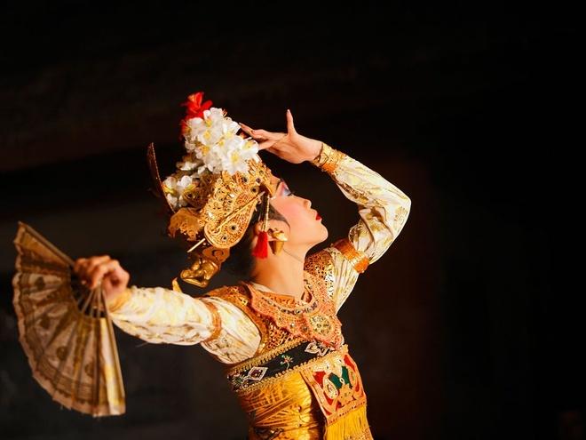 Nhung nguoi dep nhat the gioi song o dau? hinh anh 3 3. Ubud, Bali: Hòn đảo duyên sáng với điệu múa lửa, rối bóng, khung cảnh những ruộng bậc thang xanh tốt, những dãy núi cao vút, suối nước nóng cùng những người dân với nụ cười luôn thường trực trên môi.