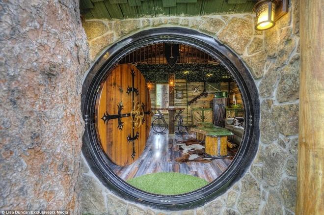 Ngoi nha danh cho fan cuong cua nguoi Hobbit hinh anh 8 Căn nhà tọa lạc tại Black Hills, khu du lịch nổi tiếng về đào vàng.