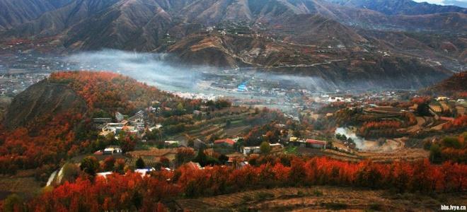 Nhung diem den hap dan dip cuoi thu o Trung Quoc hinh anh 1 Miyaluo, Tứ Xuyên. Đây là khu vực  có diện tích cảnh quan lá phong đỏ lớn nhất Trung Quốc. Tổng diện tích của các điểm danh lam thắng cảnh là 3.688 km2. Ảnh: Lvye
