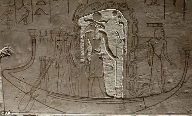 Ai Cap lan dau tien mo cua 3 lang mo don khach hinh anh 6 Bức tường bên trong lăng mộ Amenhotep được trạm khắc bằng tay, mô tả một lễ hội lớn ở Ai Cập.