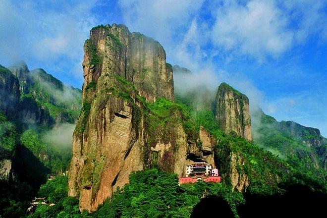 Nhung diem den hap dan dip cuoi thu o Trung Quoc hinh anh 7 Yandang được hình thành trên nền địa chất là một ngọn núi lửa cổ xưa được hình thành từ 120 triệu năm trước. Ảnh: Sina