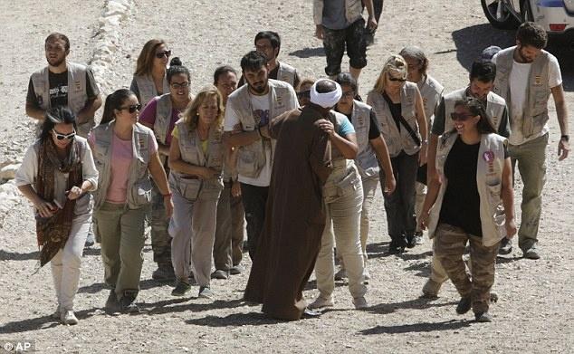 Ai Cap lan dau tien mo cua 3 lang mo don khach hinh anh 9 Các đoàn khách tới thăm quan Lăng mộ của các Pharaoh ở Luxor được hướng dẫn bởi các hướng dẫn viên người Ai Cập.