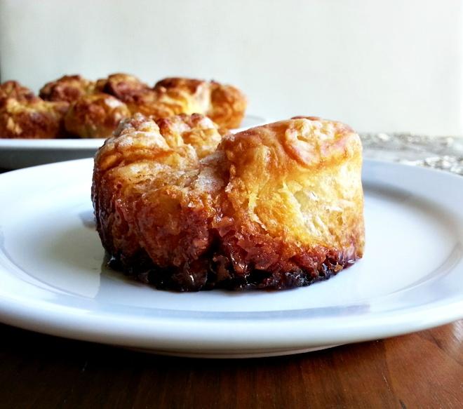 16 mon trang mieng ngon nhat the gioi hinh anh 13 Bánh Kouign Amann (Pháp): Là một trong những món tráng miệng yêu thích của người Pháp, Kouign Amann sẽ dắt bạn tới thiên đường của bơ và caramen.