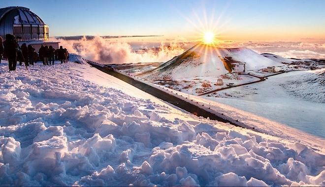 Everest co la dinh nui cao nhat the gioi? hinh anh 2 Mauna Kea phủ đầy tuyết trắng. Ảnh: Hawaiitopten.
