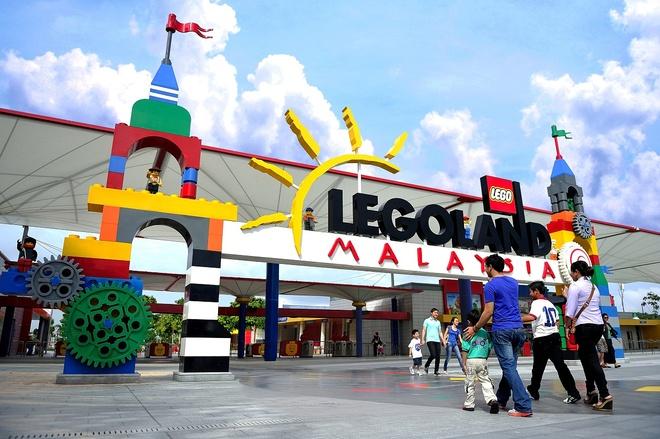 Nhung thien duong giai tri noi tieng o Malaysia hinh anh 5 Công viên Legoland là công viên Lego đầu tiên ở châu Á, được mở vào năm 2012 tại Nusajaya, Johor gần biên giới với Singapore. Tại đây cũng có khách sạn và công viên nước.