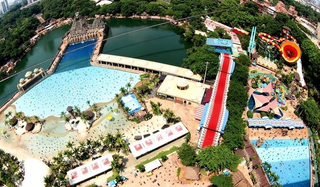Nhung thien duong giai tri noi tieng o Malaysia hinh anh 10 Công viên Sunway Lagoon cách Thủ đô Kuala Lumpur 40 phút đi xe ô tô. Đây là một công viên phức hợp rộng lớn có diện tích trên 360.000 m2 với hàng chục khu vui chơi hấp dẫn như Extreme Park, Scream Park, Vuvuzela...