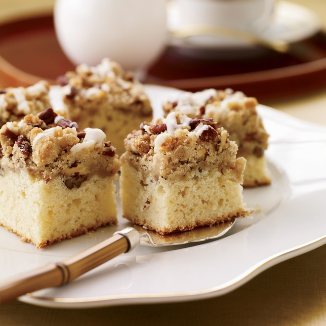 Nhung mon banh ron rang khong khi Giang sinh hinh anh 8 Bánh bạch đậu khấu: Bên trên lớp bánh mềm là phần hạt bạch đậu khấu kết hợp với hồ đào. Ảnh:  Foodandwine.