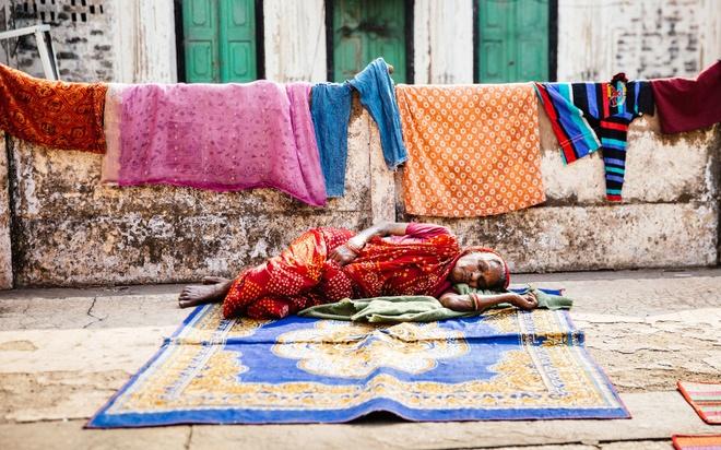 """Thanh pho duoc menh danh la duong len coi niet ban hinh anh 3 Với tín ngưỡng này, Varanasi trở thành nơi """"kinh doanh cái chết"""". Các khách sạn như Kashi Labh Mukti Bhavan mọc lên để đáp ứng nhu cầu của những người chờ chết trong vòng 15 ngày."""