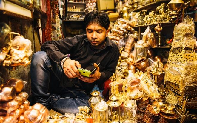 Thanh pho duoc menh danh la duong len coi niet ban hinh anh 9 Quanh Varanasi còn có những phòng thiền, tập yoga và các quầy bán hàng.
