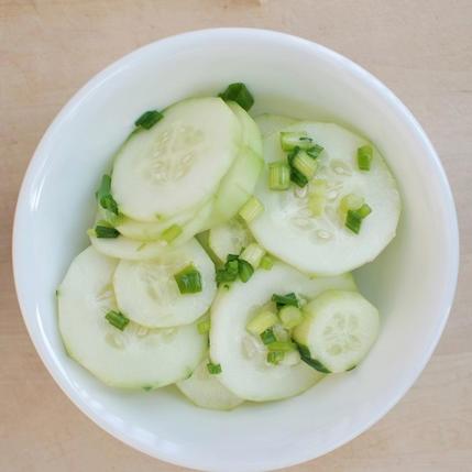10 cong thuc salad dua chuot don gian, giau dinh duong hinh anh 9