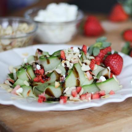 10 cong thuc salad dua chuot don gian, giau dinh duong hinh anh 10