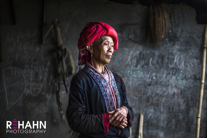 Trien lam anh 'Phu nu Viet Nam' tren duong pho Hoi An hinh anh 15