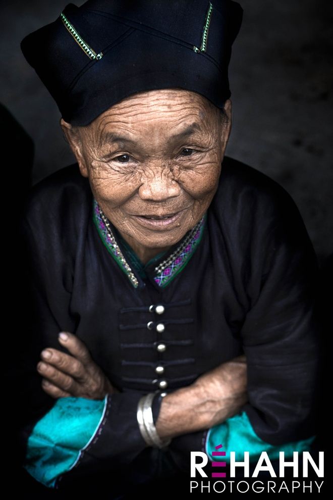 Trien lam anh 'Phu nu Viet Nam' tren duong pho Hoi An hinh anh 5