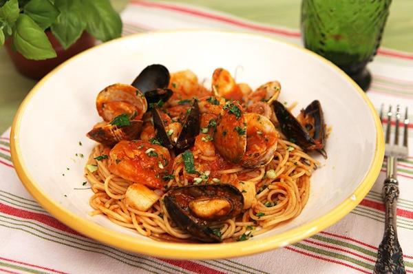 Lam mi spaghetti hai san nhanh chong trong 30 phut hinh anh