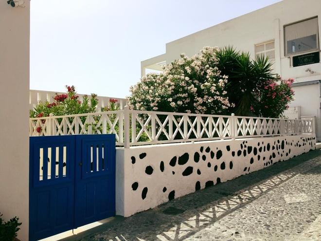 Kham pha hon dao xanh ngat mau troi Santorini hinh anh 13