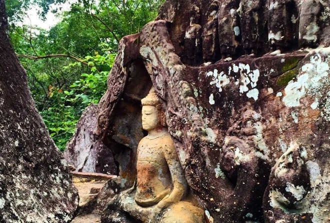 Don Tet Duong lich tren dat Phat tai Lao va Thai Lan hinh anh