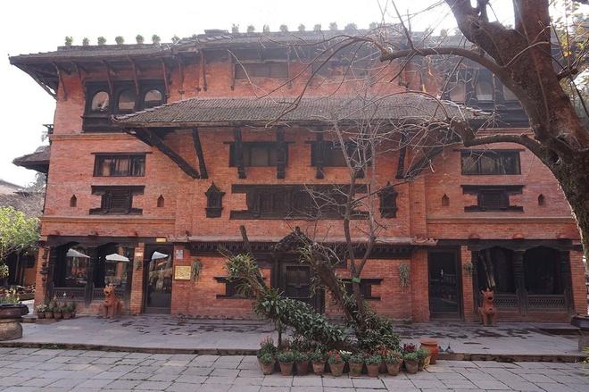 Ben trong khach san dep nhat dat Phat Nepal hinh anh 10