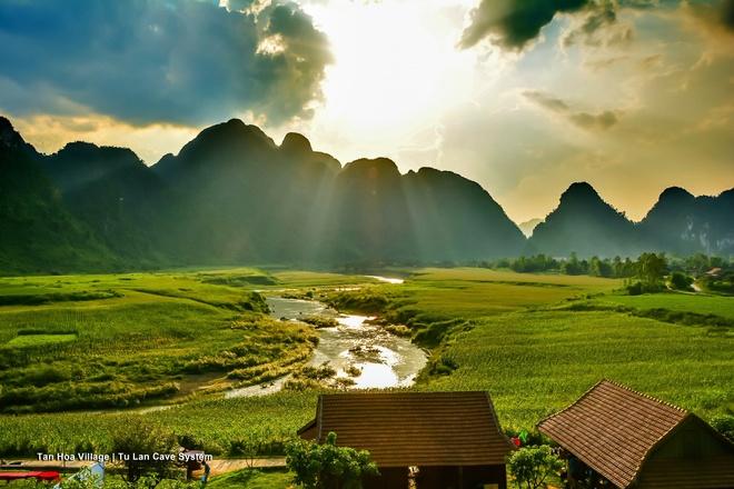 Phim truong tu nhien hung vi cua 'Kong: Skull Island' o Quang Binh hinh anh