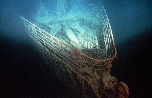 Ngam xac tau Titanic duoi day bien voi 100.000 USD hinh anh