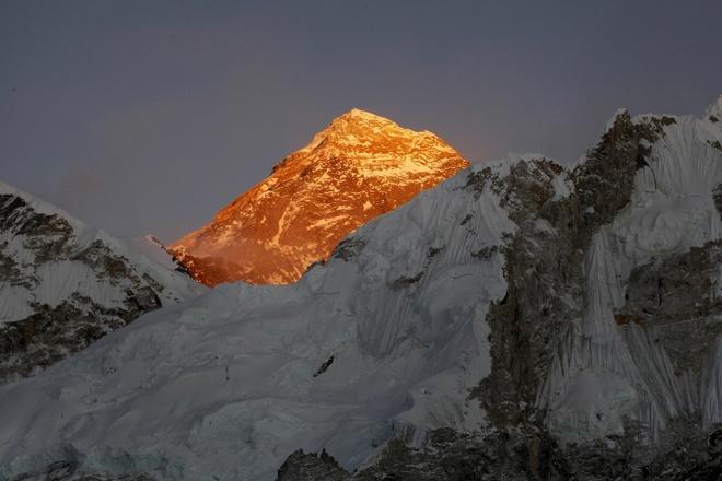 3 nha leo nui thiet mang tren duong len dinh Everest hinh anh 1
