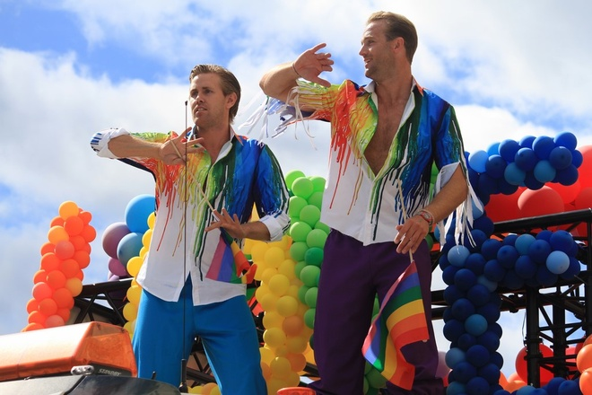 Stockholm Pride 2017: Nua trieu nguoi tham gia le hoi 7 sac cau vong hinh anh