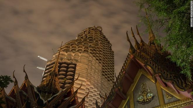 'Toa nha ma' giua Thu do Bangkok hinh anh