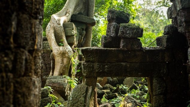 Ngoi den bi an lau doi hon ca Angkor Wat o Campuchia hinh anh 2