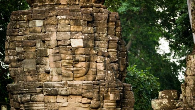 Ngoi den bi an lau doi hon ca Angkor Wat o Campuchia hinh anh 3