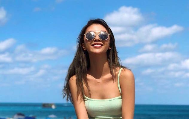 Quynh Anh Shyn - 'Bieu tuong du lich' cua lang hot girl Viet hinh anh