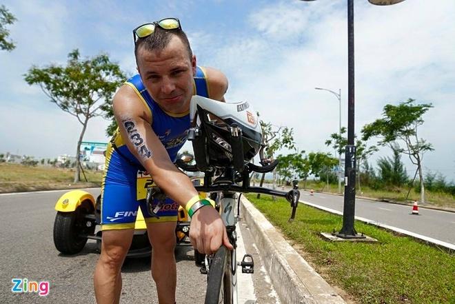 VNG Ironman 70.3: Nhieu VDV Viet Nam ve dich hinh anh 34