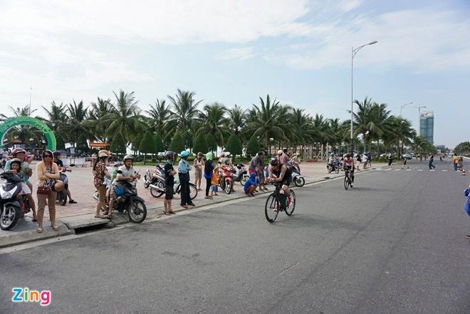 VNG Ironman 70.3: Nhieu VDV Viet Nam ve dich hinh anh 22