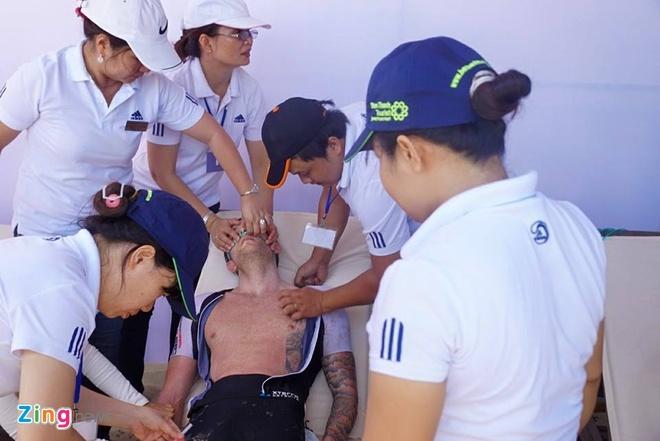 VNG Ironman 70.3: Nhieu VDV Viet Nam ve dich hinh anh 44