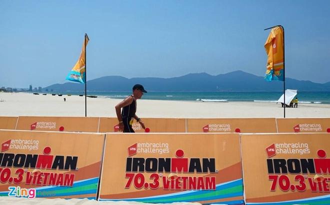 VNG Ironman 70.3: Nhieu VDV Viet Nam ve dich hinh anh 49