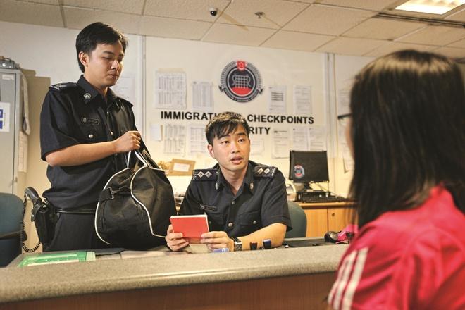 Singapore hua tao thuan loi cho nguoi Viet nhap canh hinh anh