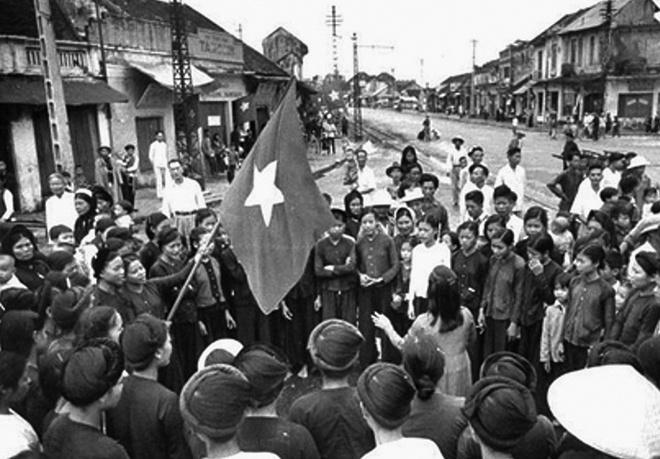 Khong khi Tet Doc lap 1945 o Ha Noi, Sai Gon hinh anh