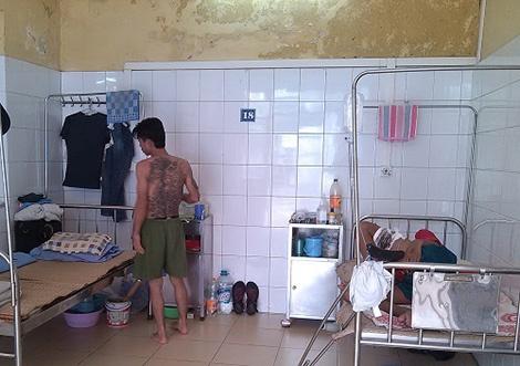 Noi benh nhan troi bac si de tron hinh anh 1 Nhiều bệnh nhân trong Bệnh viện 09 có vẻ ngoài rất
